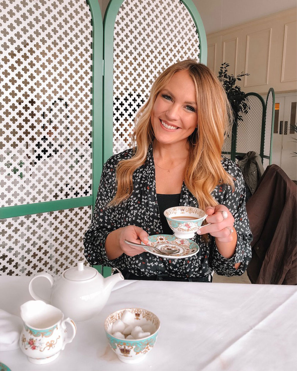 Blogger Amanda's OK shares What to Wear to Afternoon Tea in London