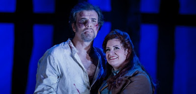 Grange Park Opera - La Fanciulla del West - Lorenzo Decaro, Claire Rutter - photo Robert Workman