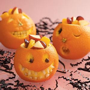 zucche realizzate con le arance svuotate
