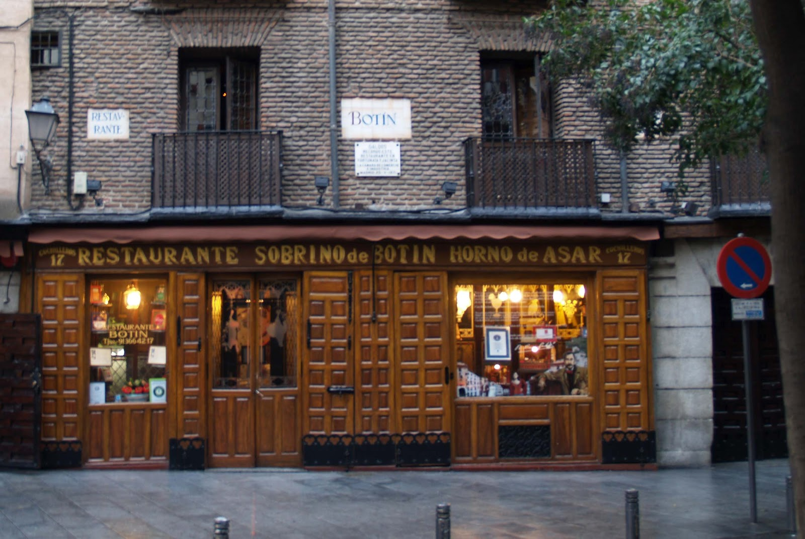Caminando por madrid bot n restaurante pionero for Casa botin madrid