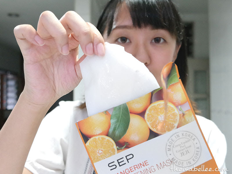 Removing SEP Tangerine Brightening Mask from pouch