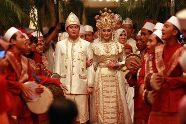 Doa Saat Menghadiri Walimatul Urus (Pesta Pernikahan)