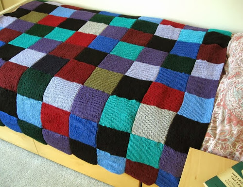 http://bugsandfishes.blogspot.com/2013/09/two-cosy-blankets-finished.html