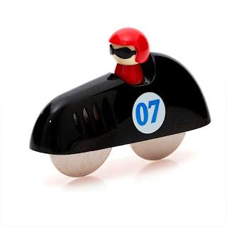 Cortador de Pizza - carro de corrida com piloto