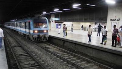 عاجل إنقاذ فتاة حاولت الانتحار بإلقاء نفسها أسفل عجلات المترو بمحطة السادات