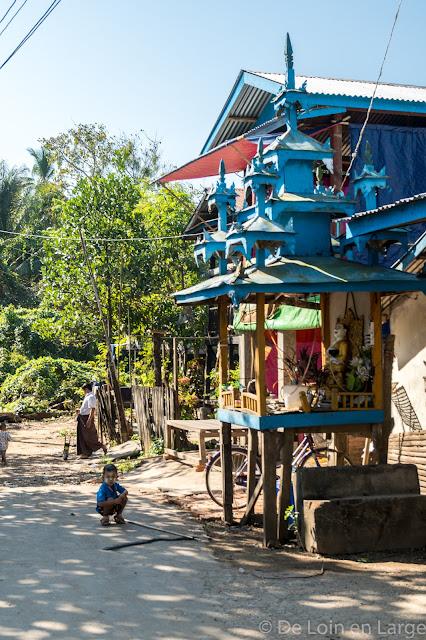 Kawhnat-Kadoe - Thanlwin river - Myanmar Birmanie