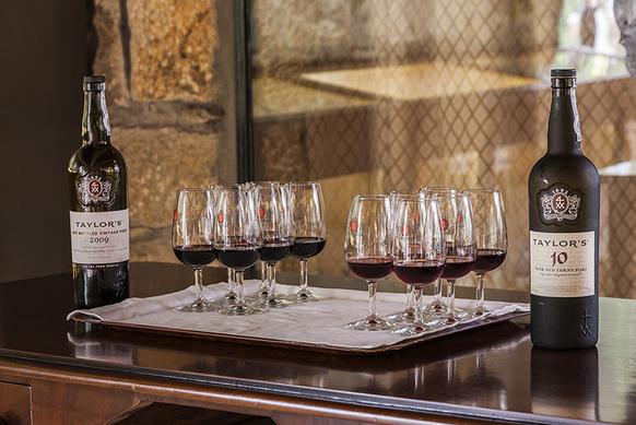 Divulgação :: Taylor's inaugura centro de visitas - uma verdadeira imersão no universo do vinho do Porto