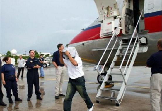 El Servicio de Inmigración y Aduanas de Estados Unidos informo la repatriación este martes, de 72 ex convictos dominicanos. Con este grupo, se eleva a 500 el número de criollos repatriados en lo que va del presente año 2019.