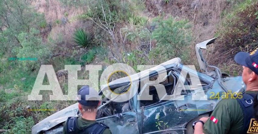 TRAGEDIA: Dos profesores caen a un abismo de 100 metros con el auto que viajaban