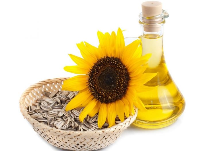 Cara Menggunakan Minyak Biji Bunga Matahari Untuk Rambut Kering