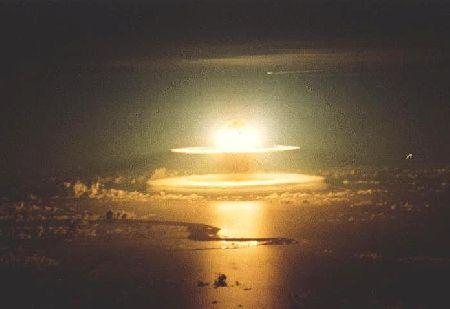 http://2.bp.blogspot.com/-HqooiMMV6Pg/UNhk2juIJpI/AAAAAAAABzg/XS-ysNiy_So/s1600/NukeeExplosion.jpg