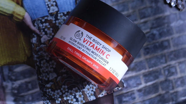bbloggerschat, the body shop, glow boosting moisturiser, the body shop skincare, best highstreet moisturiser,
