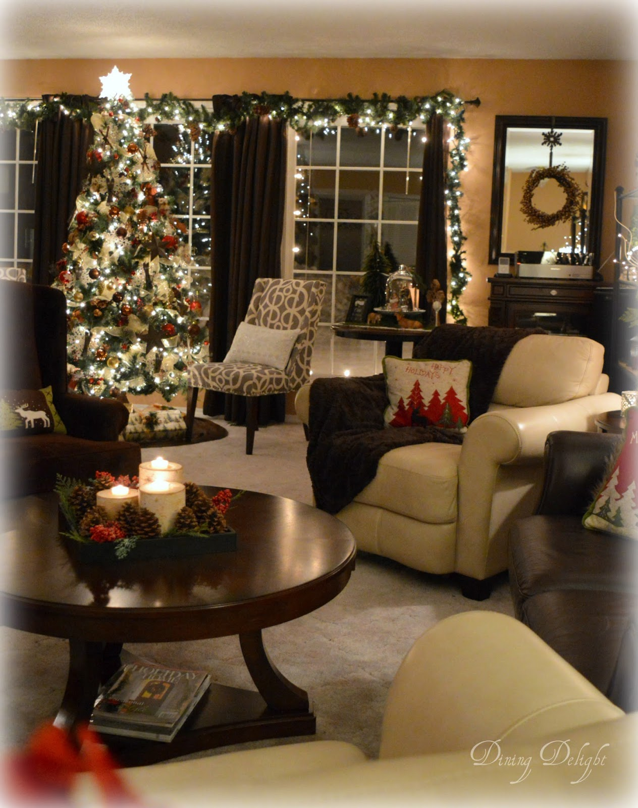 Dining Delight: Holiday Home Tour - Christmas in a Cozy House