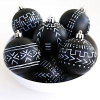 http://www.akailochiclife.com/2015/11/craft-it-mud-cloth-inspired-ornaments.html