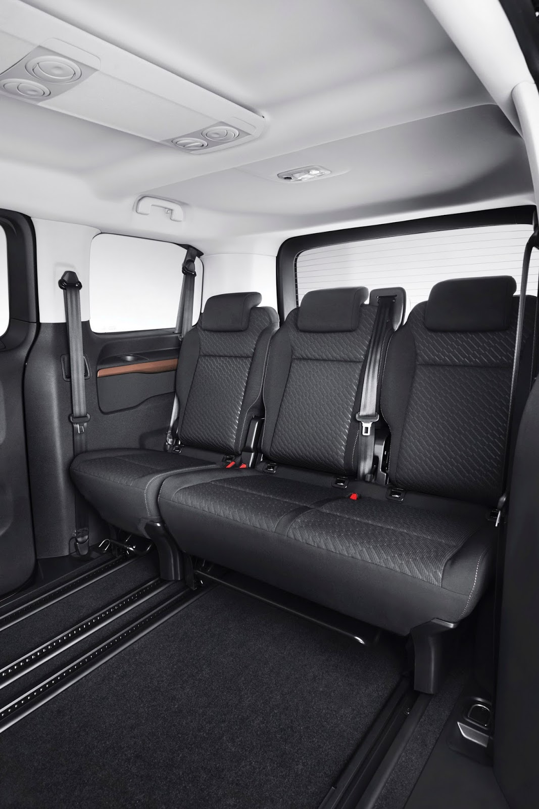 Toyota toyota proace : New Toyota Proace Verso MPV Detailed, Offers Seating For Up To ...