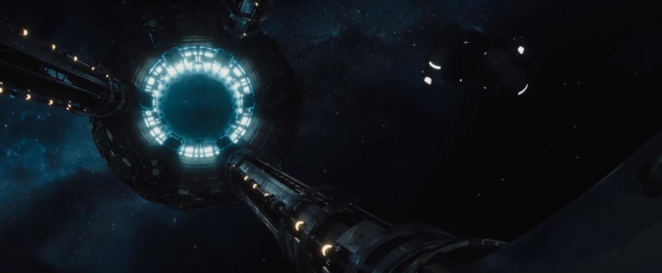 Passengers an lisis del primer tr iler for Puerta nave espacial