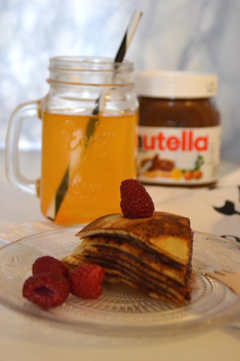gâteau de crêpes au nutella, framboise et Mason Jar d'orange