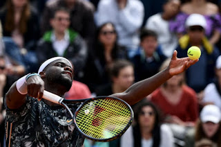 Tiafoe loses 5th set after vomiting on the court twice