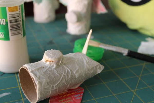 Cómo hacer cerdicornios con tubos de papel reciclados