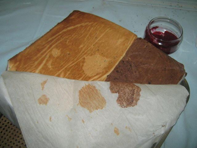 megsült piskóta sütőpapír lehúzása