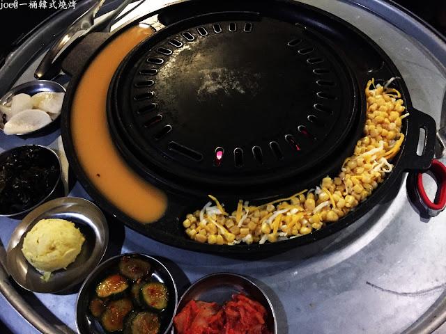 IMG 4250 - 【台中美食】好想念韓國的燒肉啊!!!『一桶韓式燒烤』讓你重溫韓國燒肉的舊夢阿!!!@一桶@韓式燒烤@油桶燒烤@烤蛋@起司@五花肉