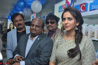 Rakul Preet Singh in a Designer saree at Launch of BIG C Show room at  Kurnool ~ Celebrities Galleries 006.jpg
