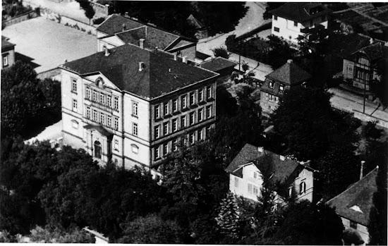 Das Alte Gymnasium in der Darmstädter Straße - Nachlass Joseph Stoll lfd.No. 00052