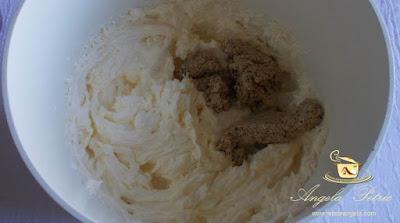 Preparare prajitura cu nuca - etapa 8