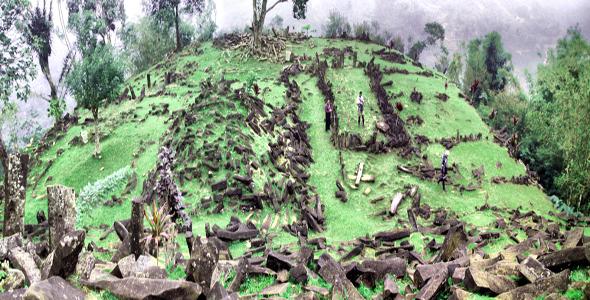 Keindahan Bersejarah Di Gunung Padang Di Cianjur