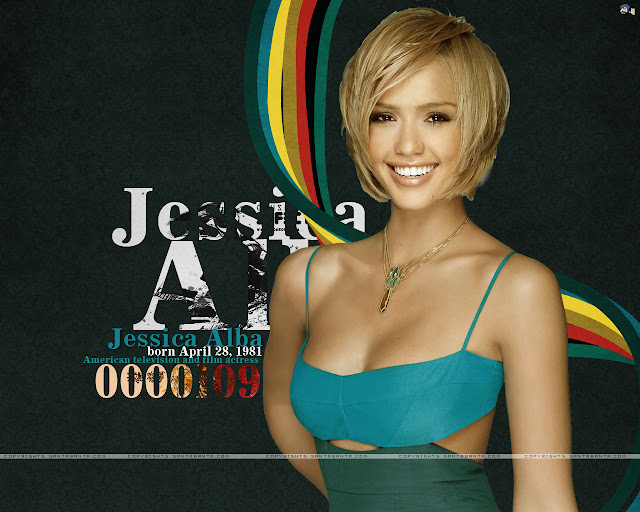 Cute Smile Face Wallpaper of Jessica Alba