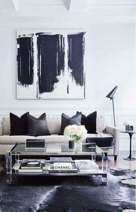 Wonderful Black and White Decoration Idea