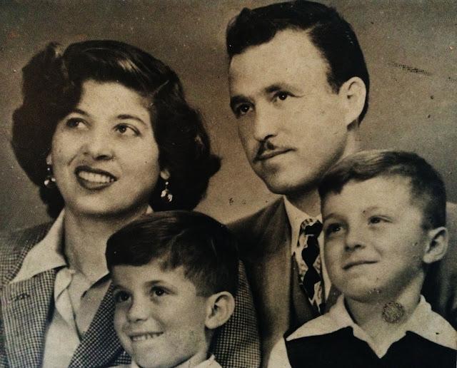 Lúcia e Michael Carasso com seus dois filhos.