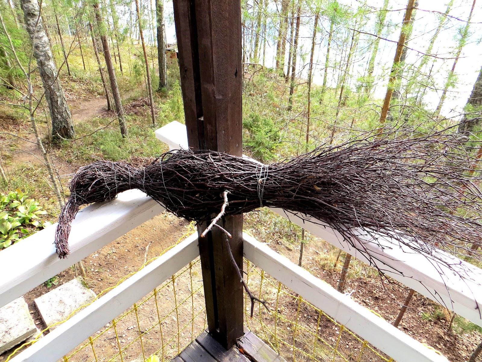 Twig bird Risulintu