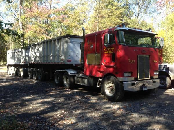 1986 Peterbilt 362 Cabover - Old Truck