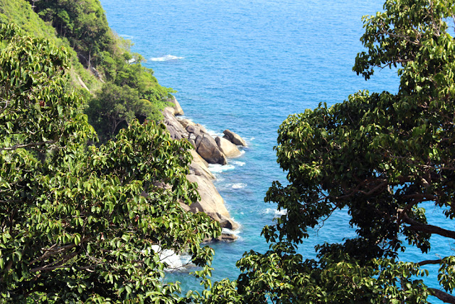 Cliffs at Paresa Phuket, Thailand | travel blog