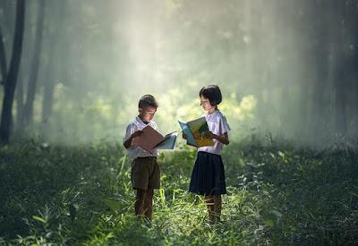 Tips Tumbuhkan Hobi Baca pada Anak
