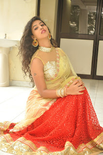 Actress pavani hot photos
