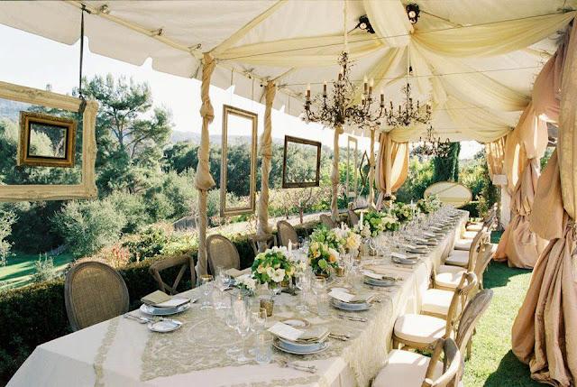 Montaje mesas largas para cena Boda Cádiz