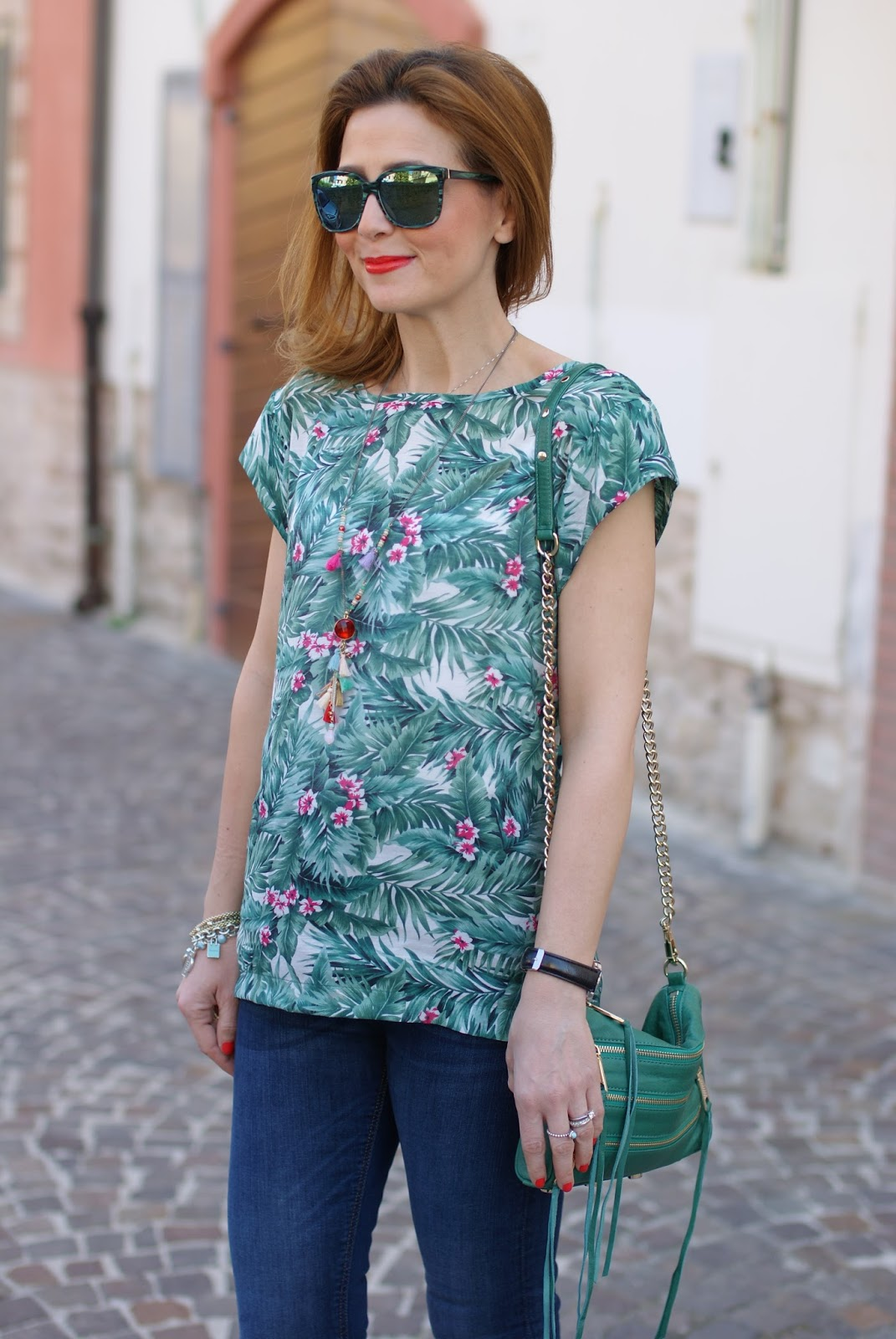 Tropical print tee and jeans with heels, Mismash Askani t-shirt on Fashion and Cookies fashion blog, fashion blogger style
