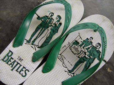gambar sandal jepit ukirian