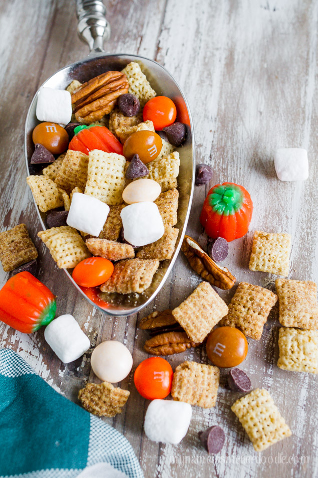Pumpkin Pie Party Chex Mix.  A super easy recipe to make for the holidays!  |  mynameissnickerdoodle.com