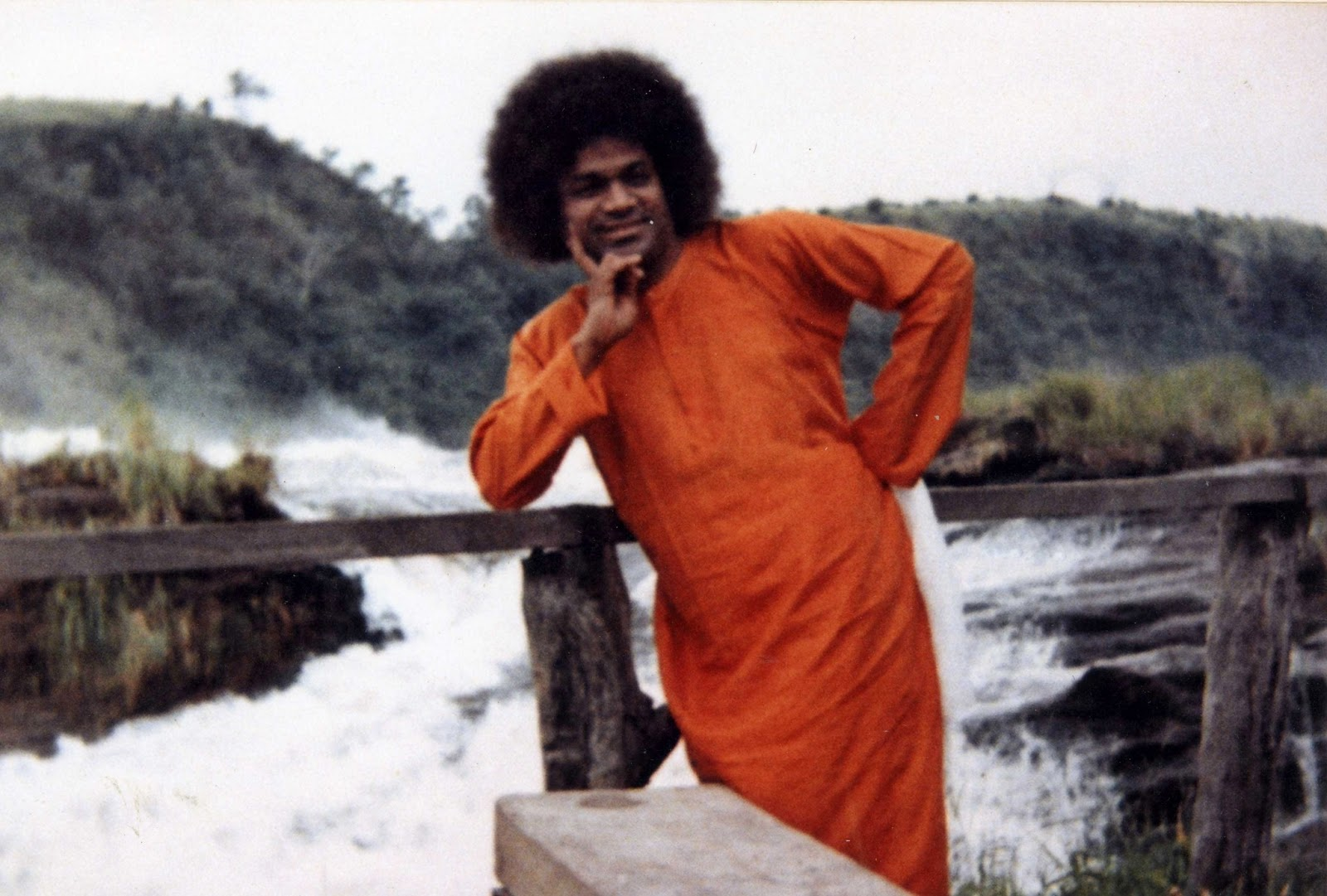 Sathya Sai with Students: With Sri Sathya Sai to East Africa