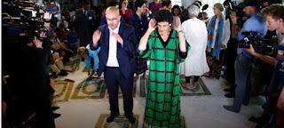 ظهور اليمنية إلهام مانع وهي  تصلي بالنساء والرجال في ألمانيا يثير جدلًا واسعا عبر مواقع التواصل الاجتماعي