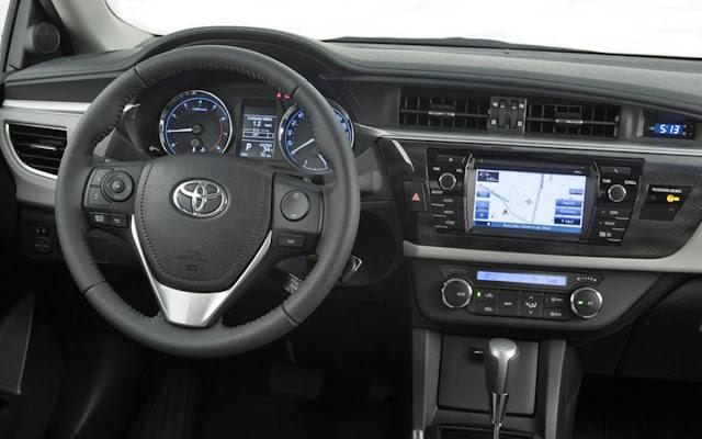 Toyota Corolla 2015 - Carro de Jair Bolsonaro