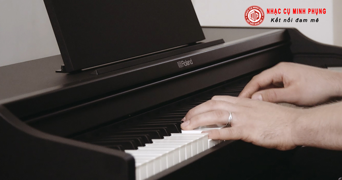 Chọn mua đàn Piano nào cho trẻ mới tập chơi ?