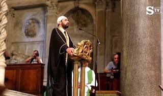Na Inglaterra Pastor é demitido após criticar leitura do Alcorão no culto
