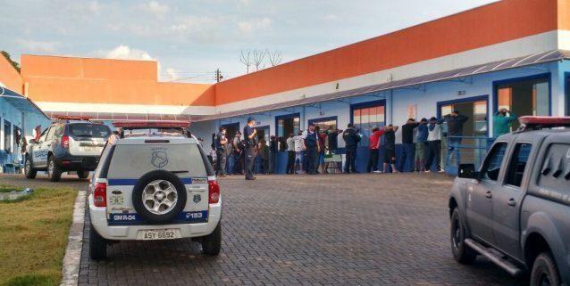 Guarda Municipal de Foz do Iguaçu (PR) flagra vendedor de drogas no CREAS