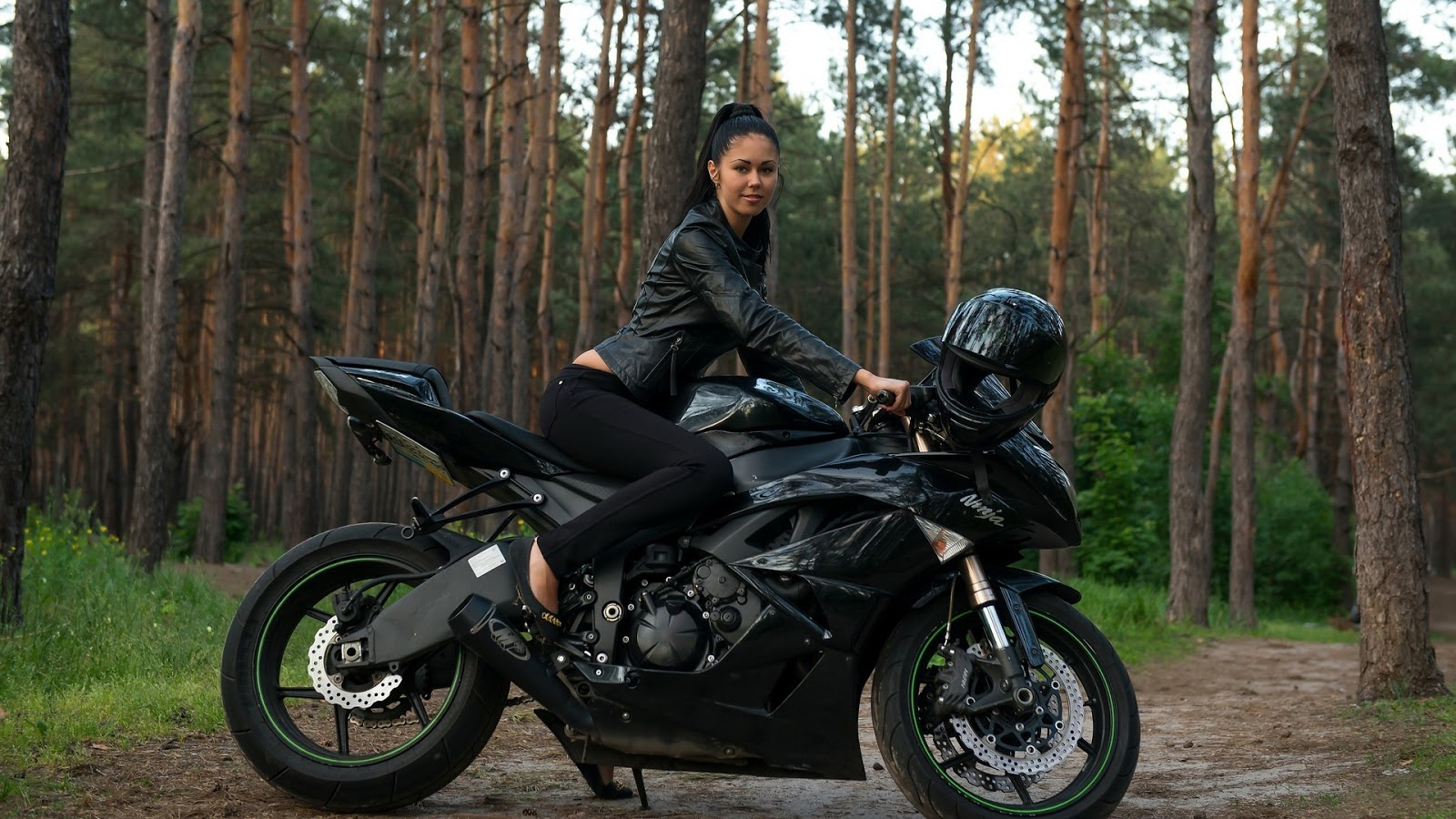 woman with heavy bikes wallpapers - photo #10