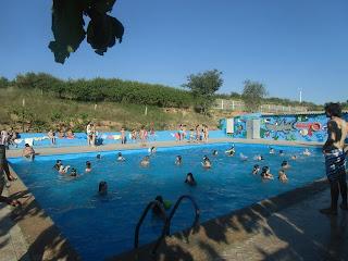 Resultado de imagen de tarihuela piscina