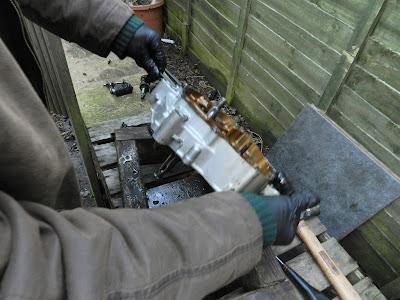 Honda CBR 125 crankshaft and balance removal  Crank